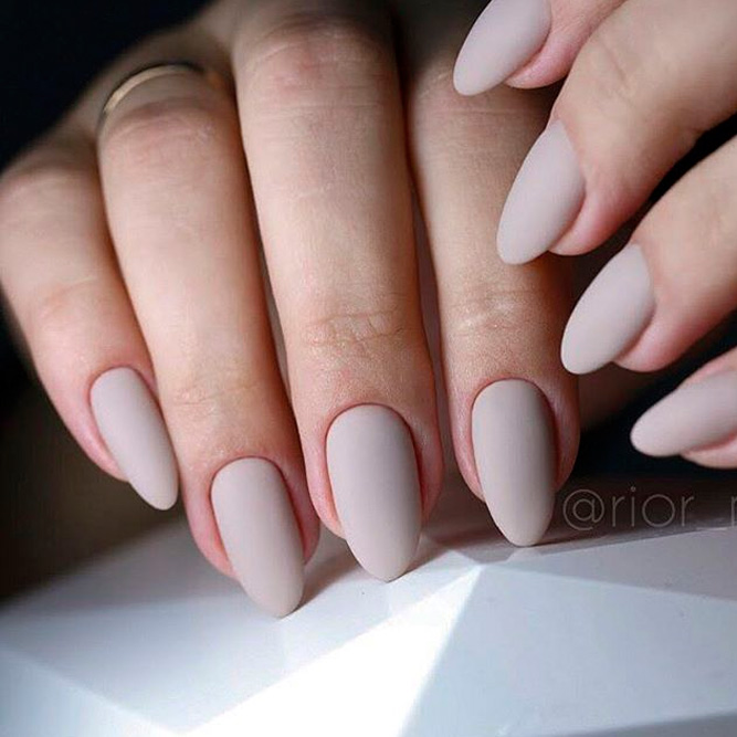Stunning Nude Matte Nail Art Ideas picture 2