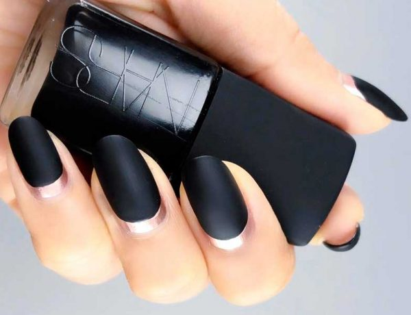 Cool Ideas for Black Matte Nails