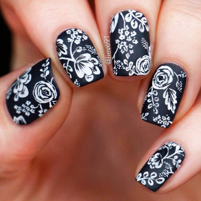 Incredible Black and White Nail Designs picture 3