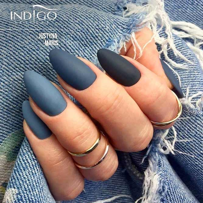 Knockout Ideas For Your Grey Ombre Nails