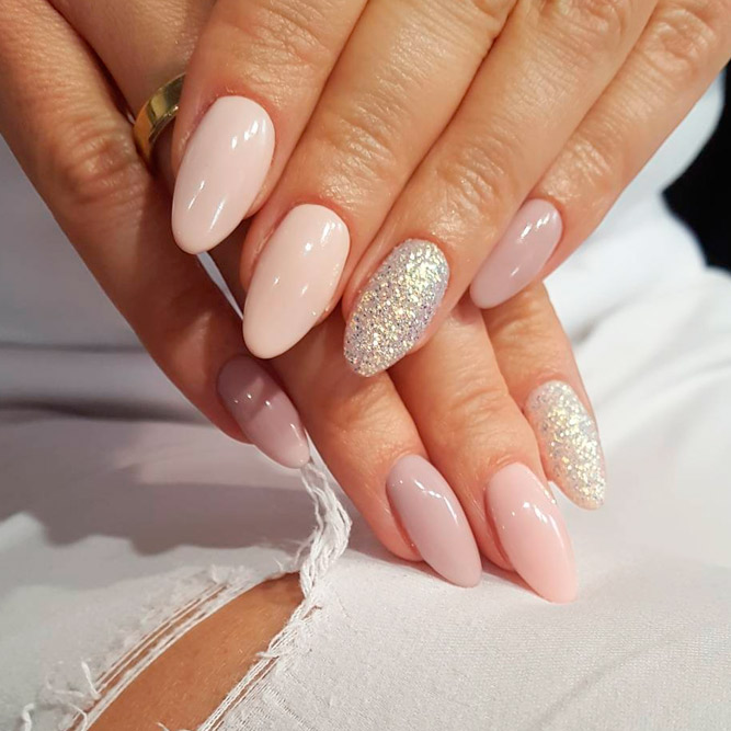 Add Some Glitter Chic to Your Almond Nails picture 3