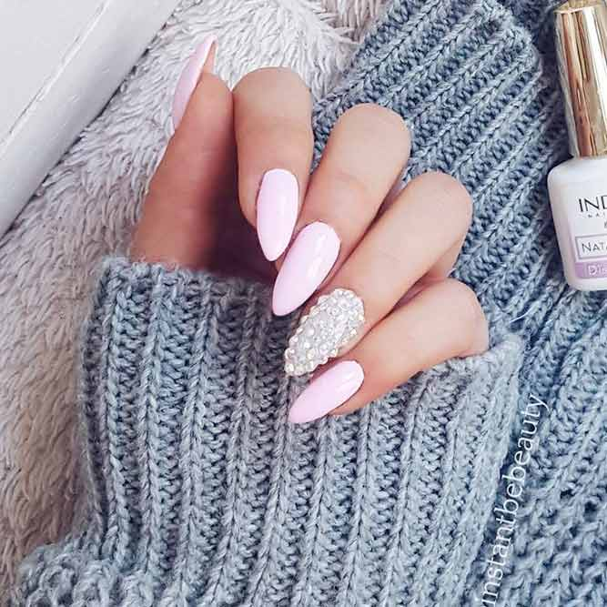 Cute and Sweet Pink Almond Nail Designs picture 2