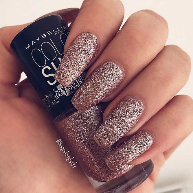 Glitter Accent For A Classy Look picture 2