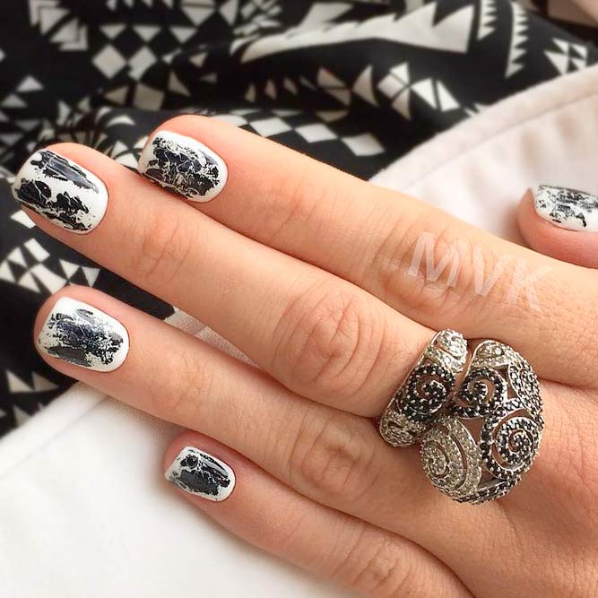 Stylish Ideas for Your Black and White Manicure picture 2