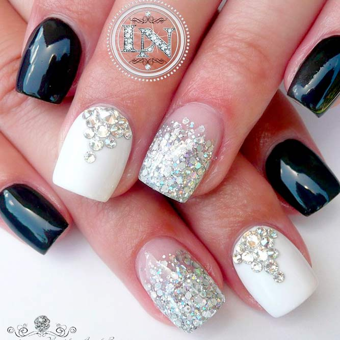 Stylish Ideas for Your Black and White Manicure picture 3