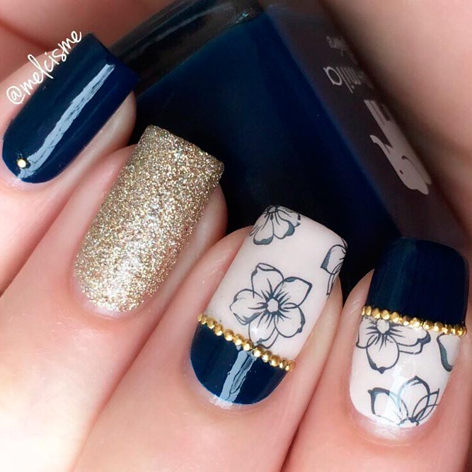 Elegant Nails with Glitter Accents picture 1