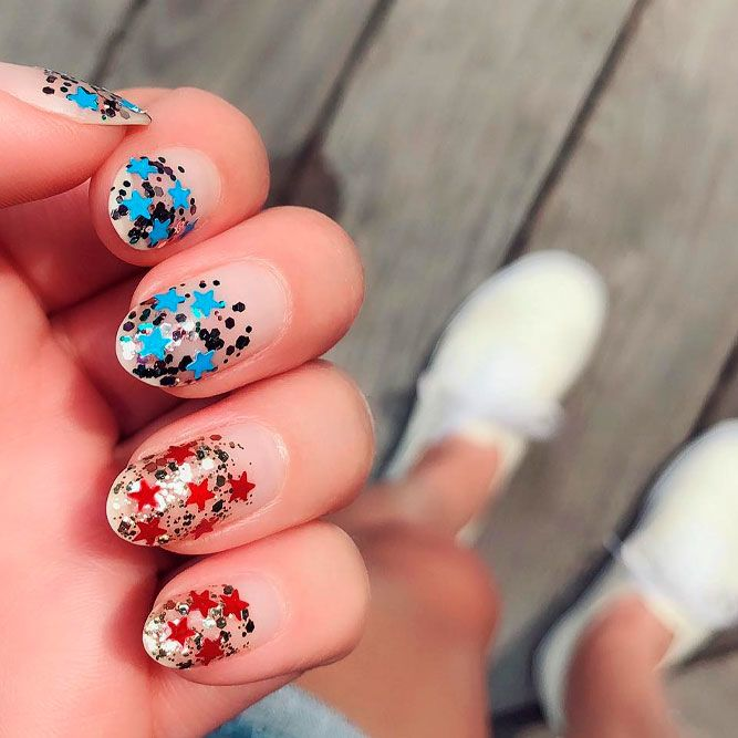 Shiny Fourth Of July Nails Art With Negative Space