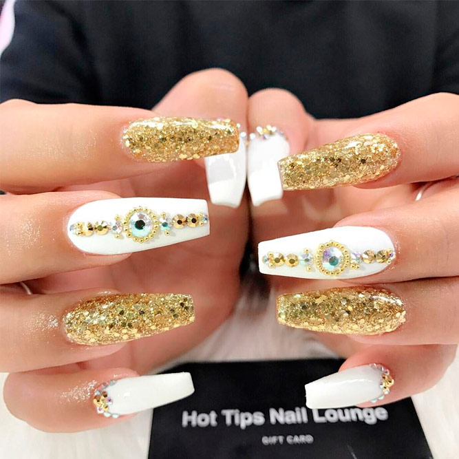 Amazing Gold Nail Art Ideas with Rhinestones picture 3