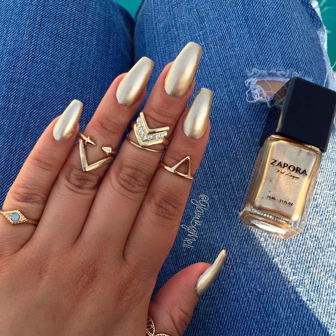 Cool Golden Nails picture 3