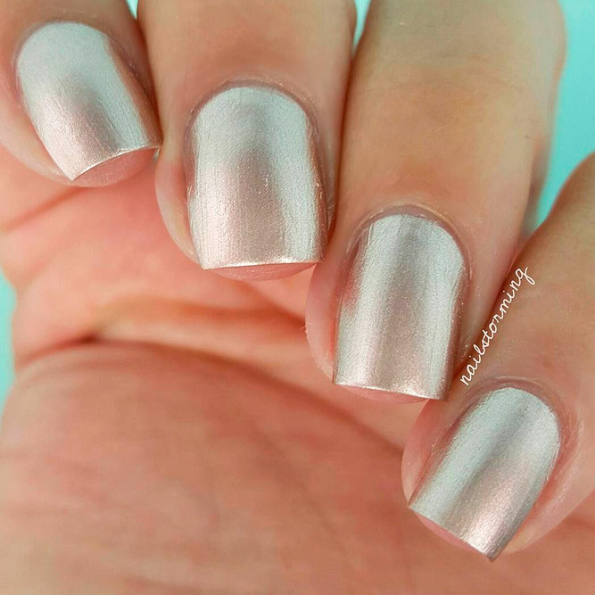 Best Golden Nail Art for Short Nails picture 2