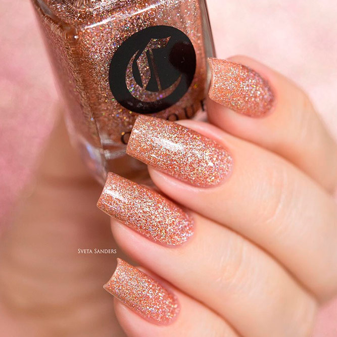Beautiful Gold Glitter Nails Designs picture 3