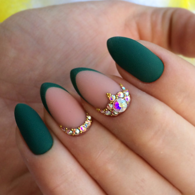 Hottest Tropical Green Summer Nail Colors for Your Summer Mani picture 2