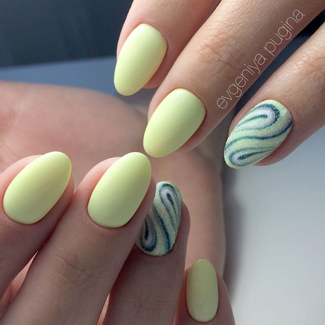 Light Yellow Summer Nails picture 3