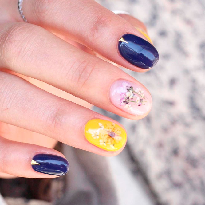 Modern Nails With Beautiful Design picture 1