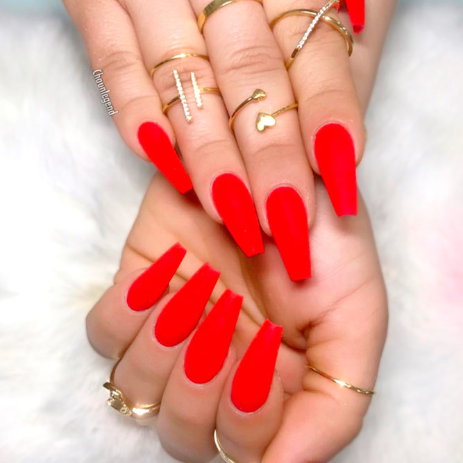 Elegant Red Acrylic Coffin Nails picture 3