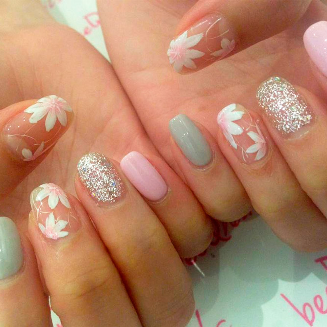 Pretty Flower Nail Designs picture 1