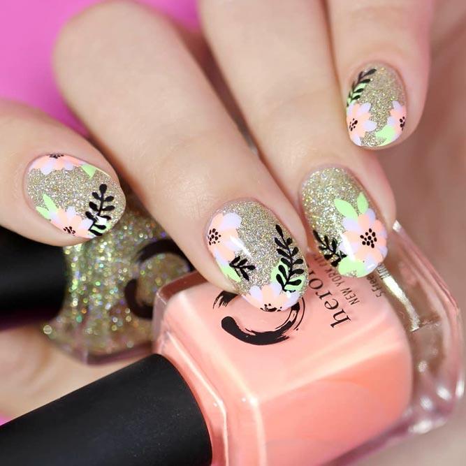 Summer Nails With Charming Floral Patterns #glitternails #roundednails #shortnails #flowernails