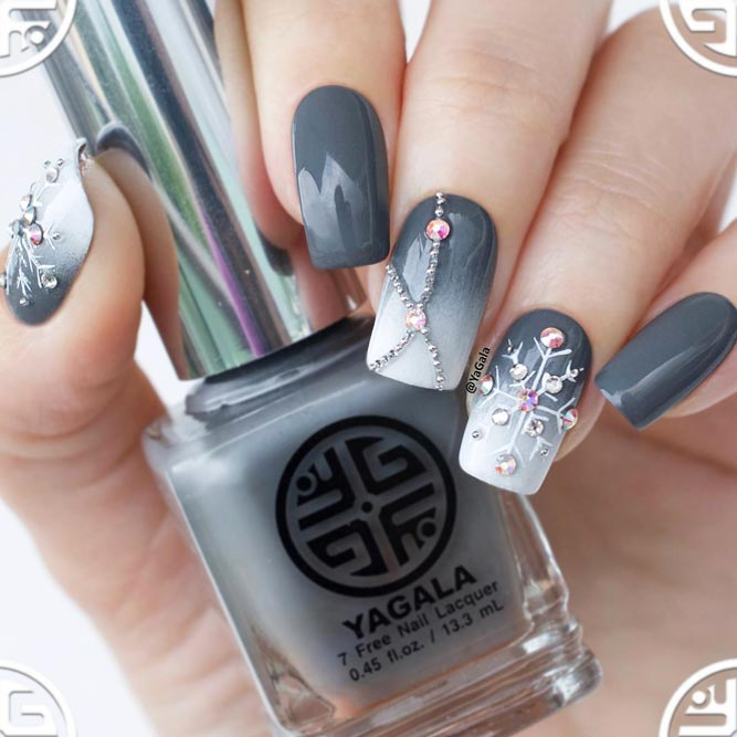 Season Nails with Sweet Snowflakes picture 2