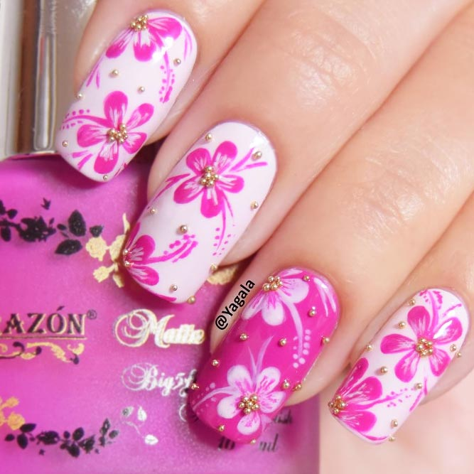 Summer Nails with Charming Floral Patterns picture 1