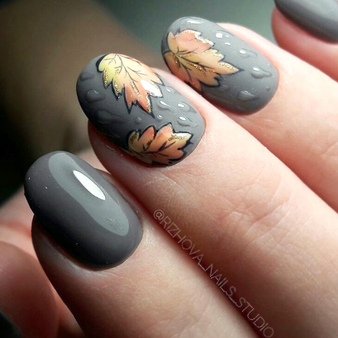 Beautiful Matte And Glossy Nails With Fallen Leaves #ovalnails #glossynails