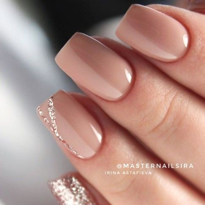 Nude Nails With Exquisite Glitter Accent #nudenails #glitternails