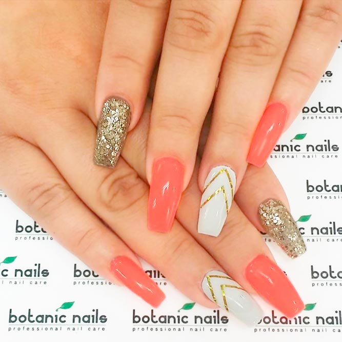 Bright Nail Designs to Finish Summer Look picture 2