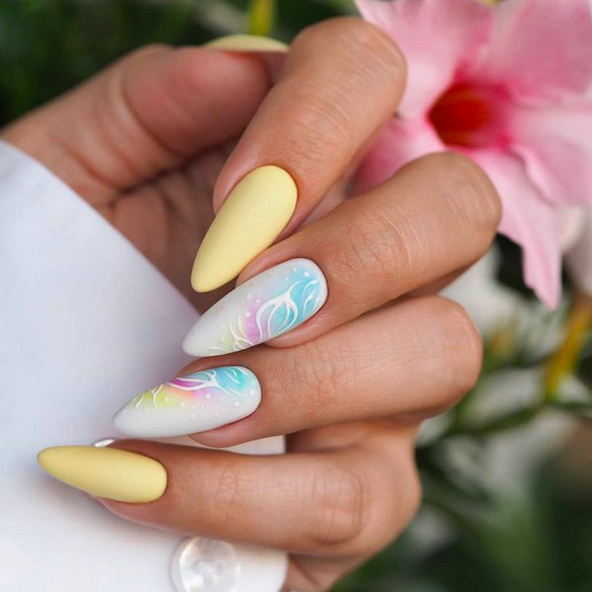 Pastel Nails With Flowers