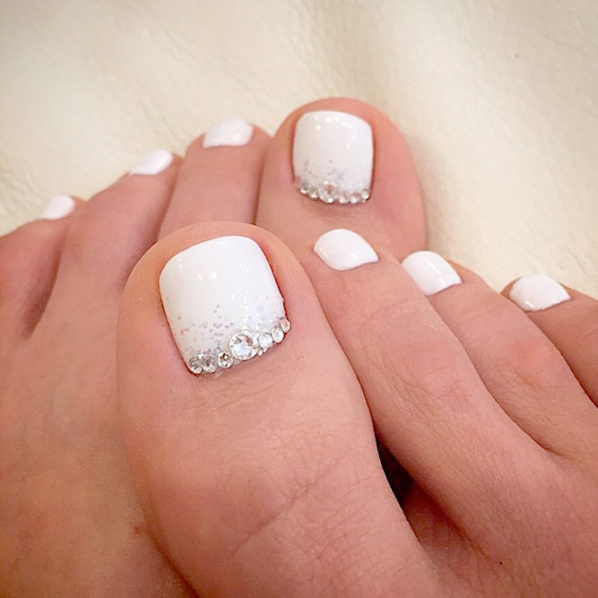 Simple and Beautiful Toe Nails picture 2