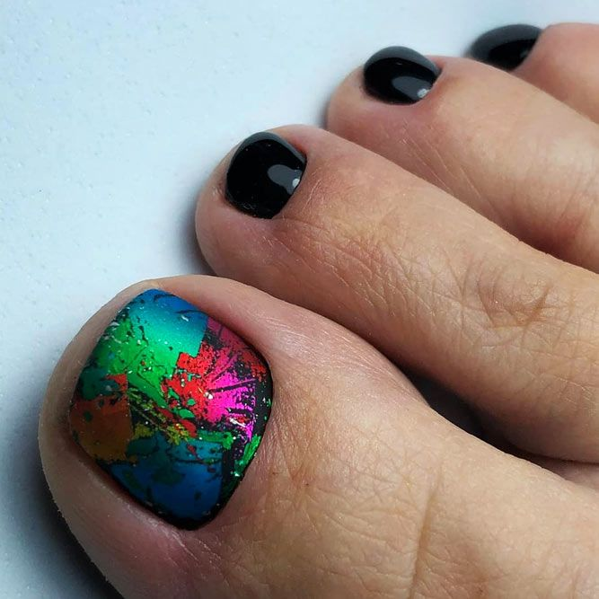 The Play Of Black Light And Shadow For Your Pedicure