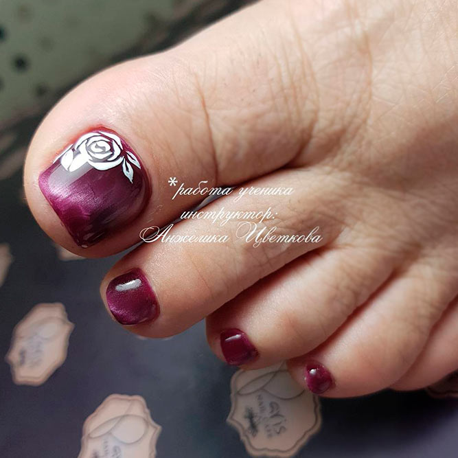 Chrome And Metallic Toe Nail Polish picture 1