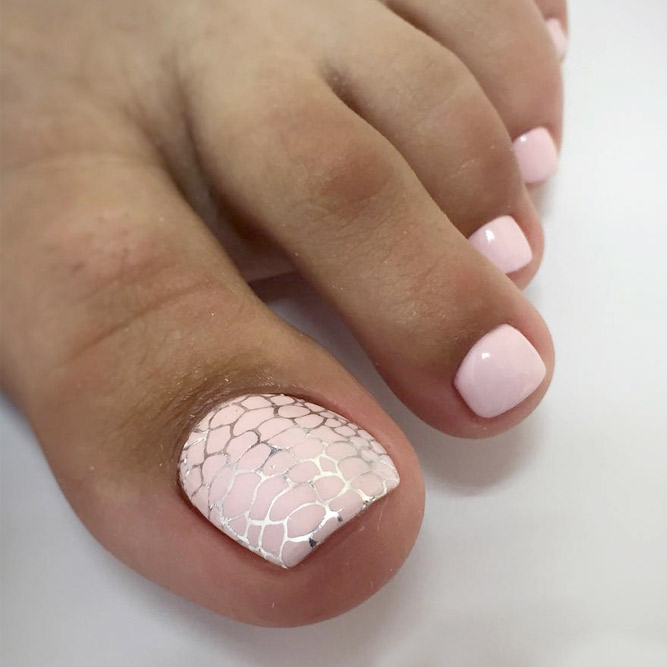 Perfect Toe Nail Art for Stylish Look picture 2