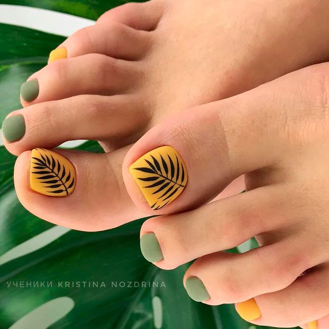 Nail Art Designs For Toes With Tropical Leaf