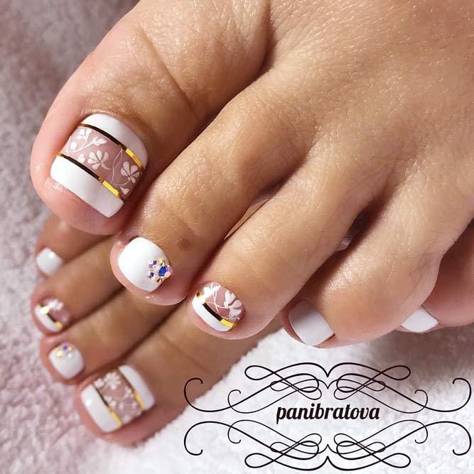 Stylish Pedicure With Metallic Stripes For Gorgeous Feet #whitenails #stripednails #floralnails