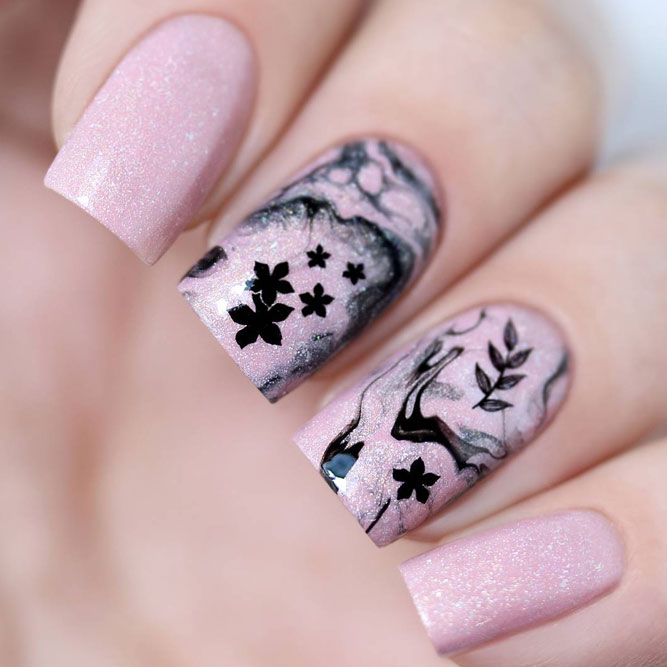 Feminine Pink Nail Polish for Summer picture 2