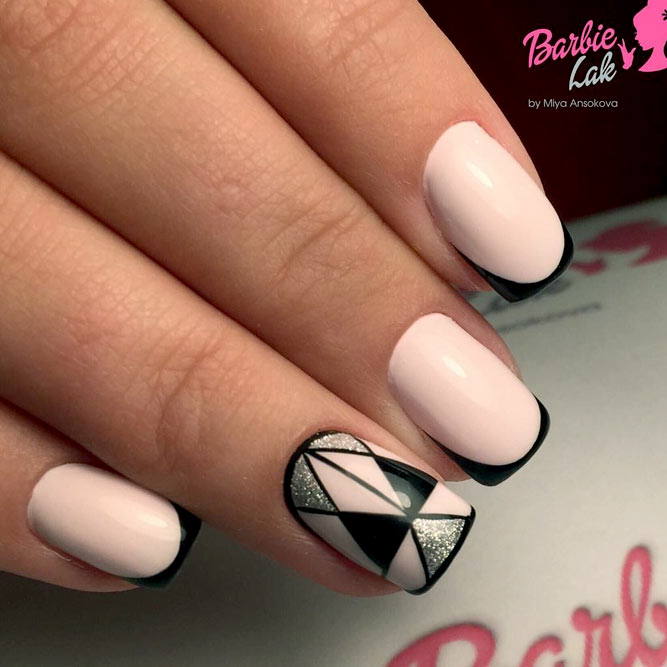 Stylish Geometric Nails Ideas picture 2