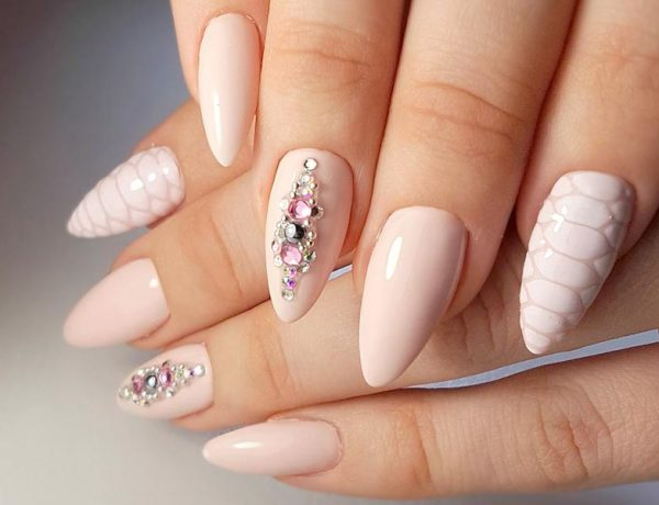 Perfect Pointed Nails You Would Love to Have