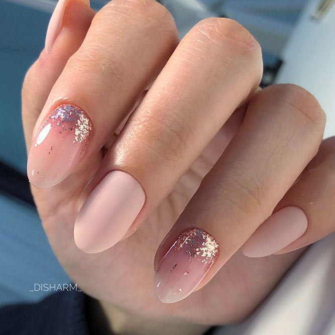 Sparkly Nail Designs With Glitter Ombre For Rounded Nail Shapes #glitternails #pinknails #nudenails #ombrenails