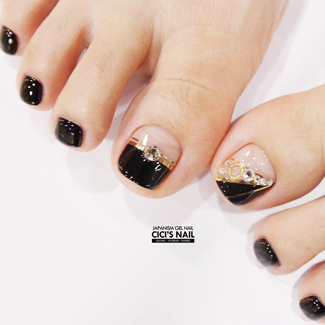 Exquisite Black Pedicure picture 2