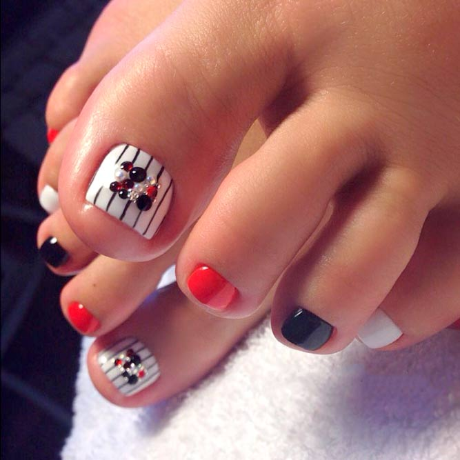 Colored Toe Nail Design picture 3