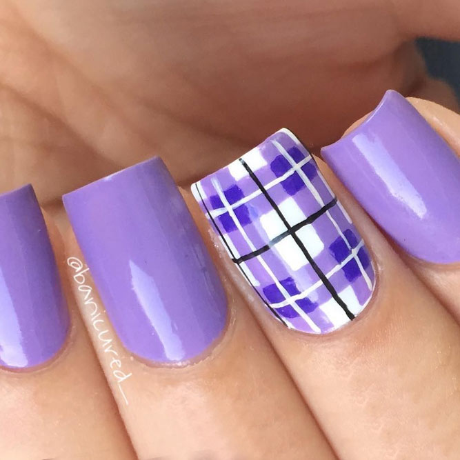 Gorgeous Gingham Nails