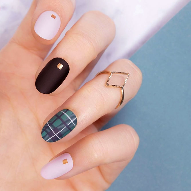 Stylish And Unique Plaid Nail Art - 33 Fancy Nail Designs For Short Nails NailDesignsJournal