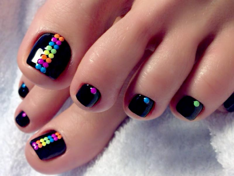 30 Pretty Nail Designs For Toes | NailDesignsJournal.com