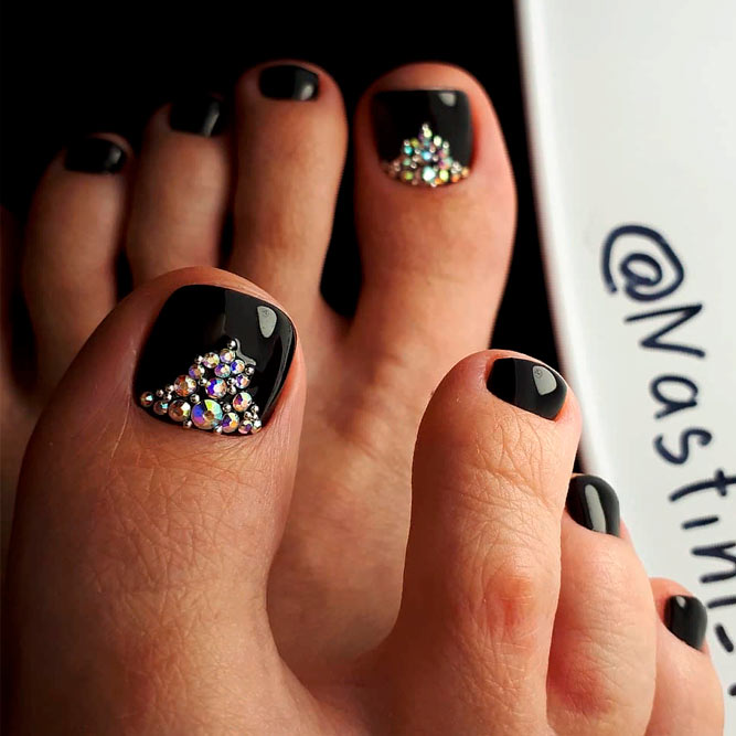 Bling Rhinestones Nail Art With Black Base #chictoenails #toenailart