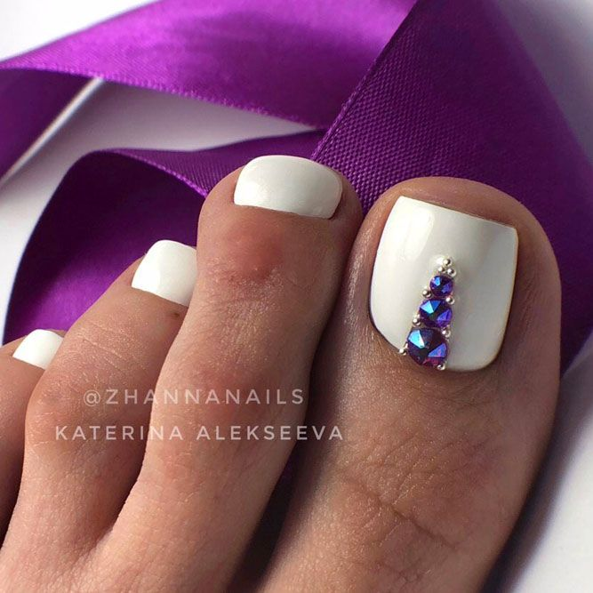 Bling Rhinestones Nail Art On White Nails