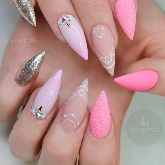 Luxury and Chic Stiletto Nails picture 3