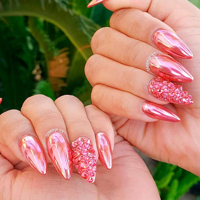 Luxury and Chic Stiletto Nails picture 1