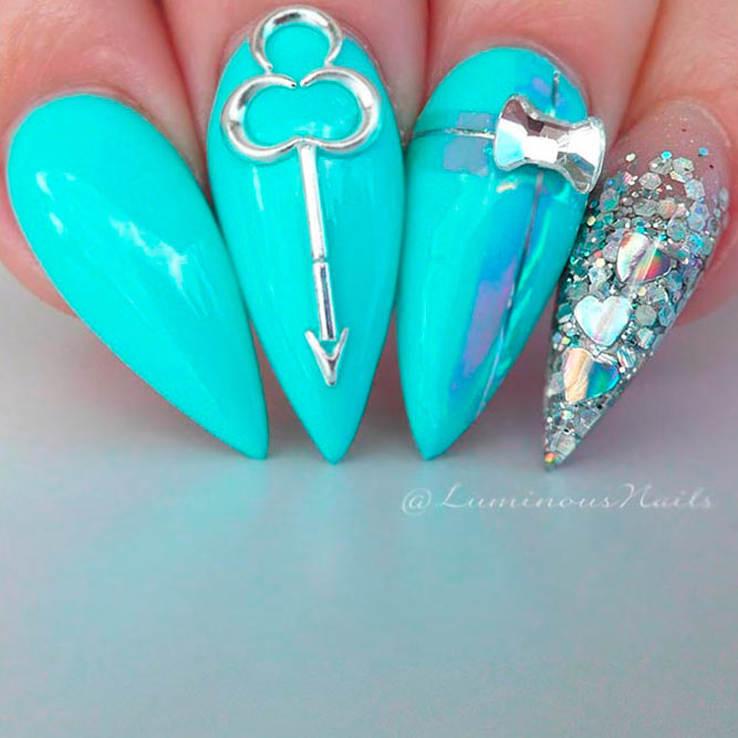 Stylish and Bright Nails picture 2