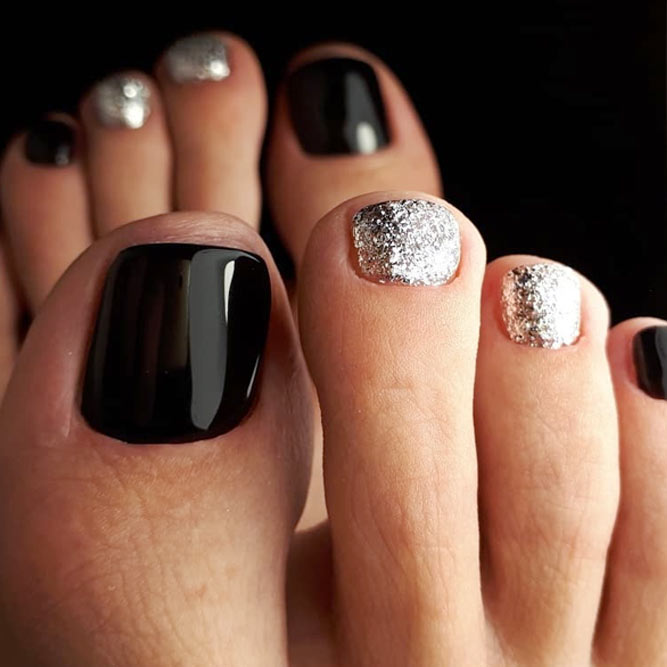 Marvelous Black Nail Designs With Silver Glitter Accents #backnails #glitternails