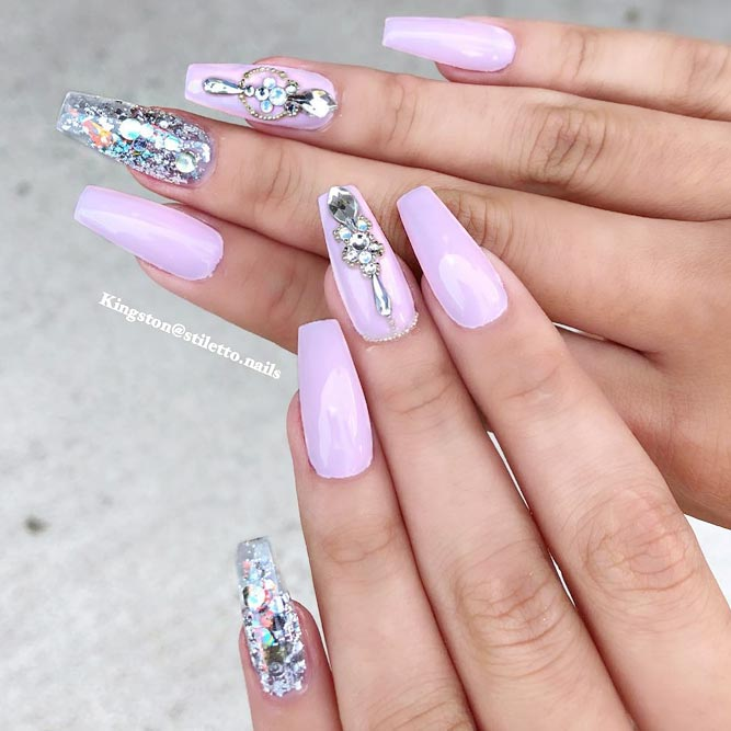 Cute Designs With Rhinestones For Acrylic Coffin Nails #coffinnails #longnails #acrylicnails #rhinestonesnails #glitternails