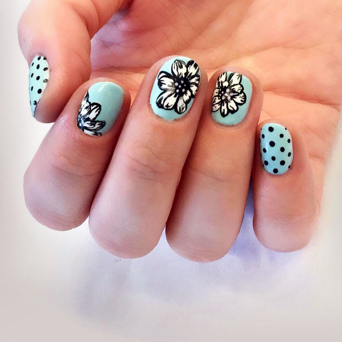 Blue And Black Polka Dots #bluenails #flowernails